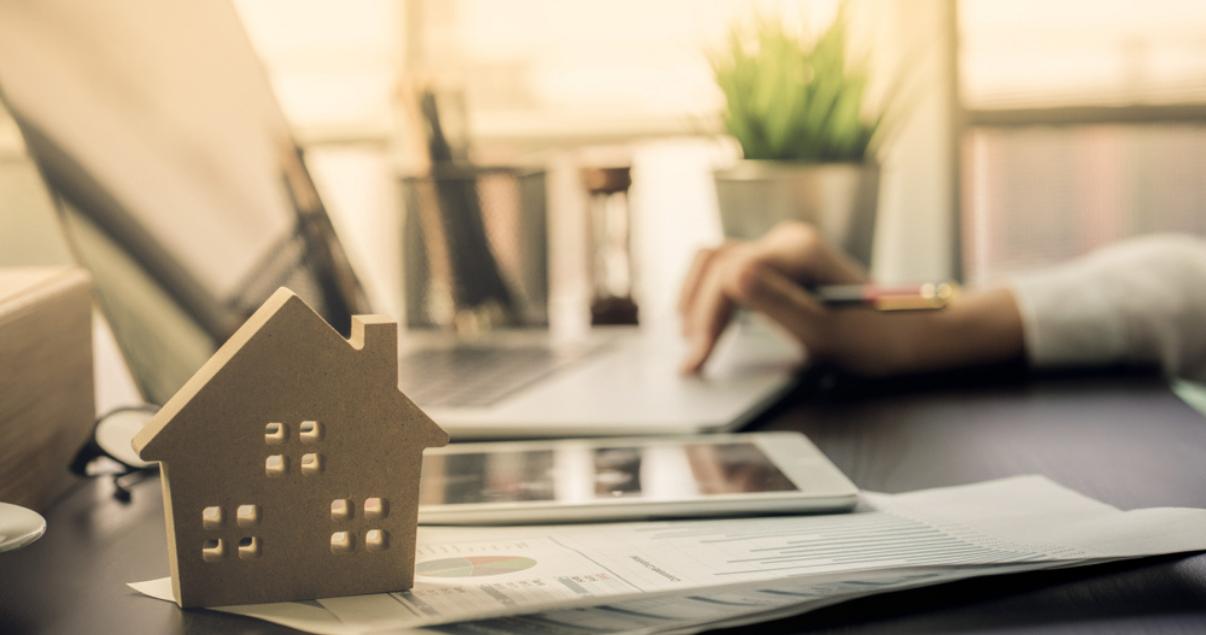 Agente define su consumidor inmobiliario con los datos que recolectó.